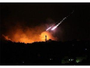 İsrail, Humus'a havadan saldırıyor..Uçaklardan biri düşürüldü