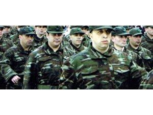 'Askerlikte Adil Çözüm'den imza kampanyası