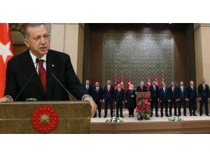 Yeni kabine Dünya medyasında...'Batı'dan hiçbir lider katılmadı'