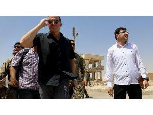 McGurk, Rakka'da YPG'yi ziyaret etti