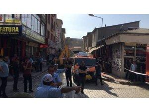 VAN/ Tarihi Peynirciler Çarşısı'nda göçük: Ölü ve yaralılar var!-VİDEO
