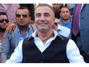 'Oluk oluk kan akıtacağız, kanlarınızla duş alacağız' sözleri tehdit sayılmadı..Mahkeme Sedat Peker'e beraat verdi