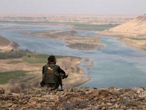 Suriye devleti memurları, Tabka Barajı'na yeniden yerleşti