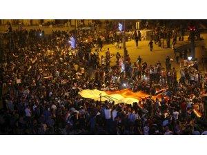 IRAK/ Abadi'nin partisi basıldı..Protestolar şiddetleniyor!
