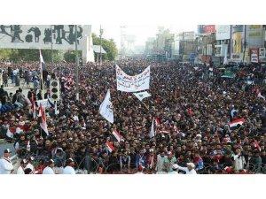 Irak'ta yasağa rağmen sokaklar terk edilmiyor!