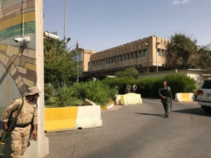 Erbil Valiliğine silahlı saldırı: 3 saldırgan da öldürüldü