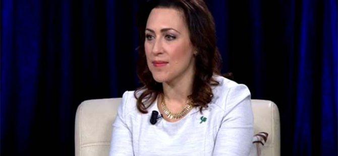 """Talabani'nin ABD'li eşi: """"Kürtçe çok güzel bir dil"""""""