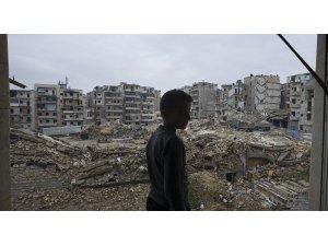 Robert Fisk: Batı'nın Suriye'de kime silah sattığını açıklamasının zamanı geldi