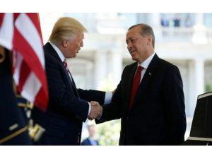 Trump övdü mü yerdi mi? NATO'da bir veya iki diktatör var