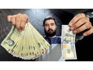 İranlılar para birimlerinden kaçıyor, altına rağbet zirvede