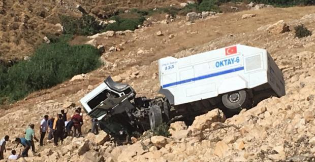 TOMA Kaza yaptı iki polis yaralandı