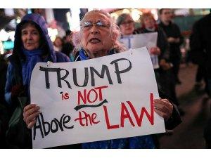 Trump'a karşı yüz binlerce kişi sokakta