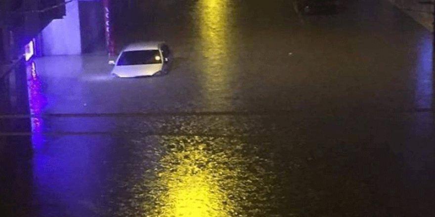 Cizre'de sağanak yağış iki can aldı!