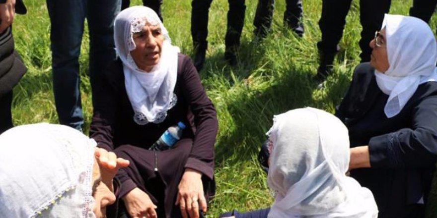 Gebze'de polis anneleri bir kez daha yerde sürükledi