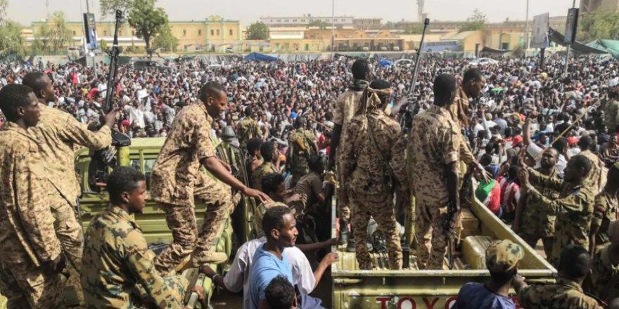 Sudan'da ordu ile muhalefet anlaştı