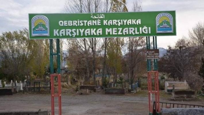 Bu sefer de mezarlıktaki Kürtçe tabela kaldırıldı!