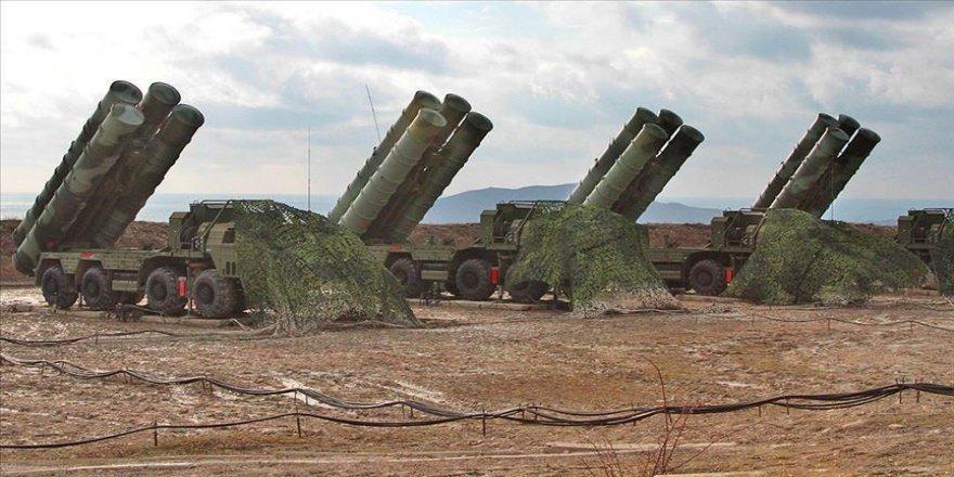 Bloomberg: Türkiye ABD'ye YPG'li güçlerin elindeki ağır silahları toplaması için baskı yapıyor