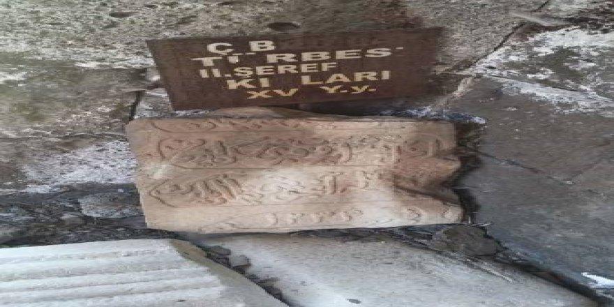 Şerefxan Bedlisi'nin mezarı tahrip edildi