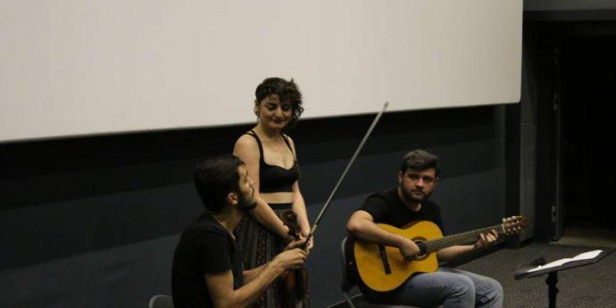 Amed'de 'Saklı Haç' belgeselinin galası
