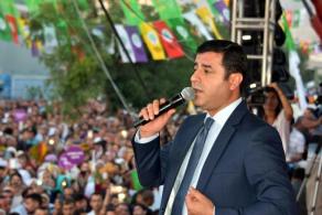 Demirtaş: Darbe Girişiminin İçinde Olan AK Partililer Açıklansın