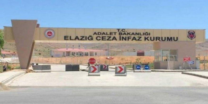 Namaz kılmayan tutuklulara işkence iddiası