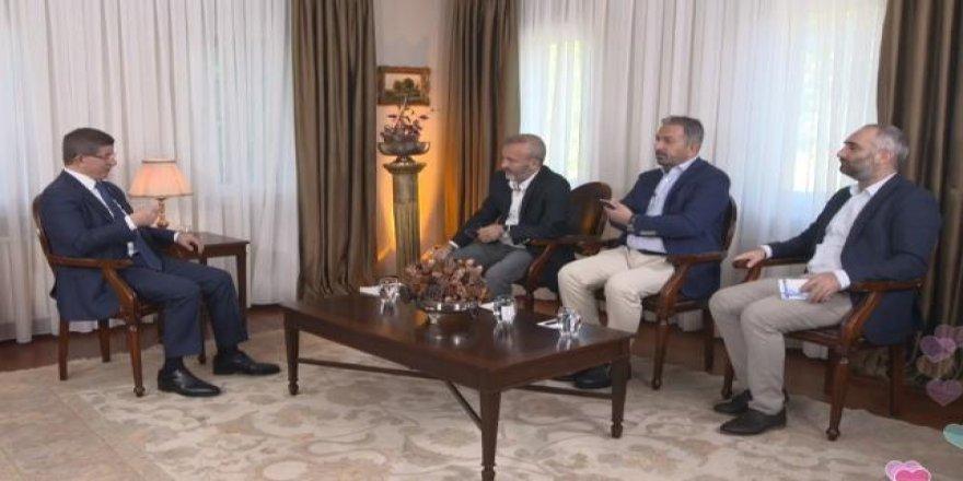 Davutoğlu'ndan Binali Yıldırım'a 'düşük profil' göndermesi