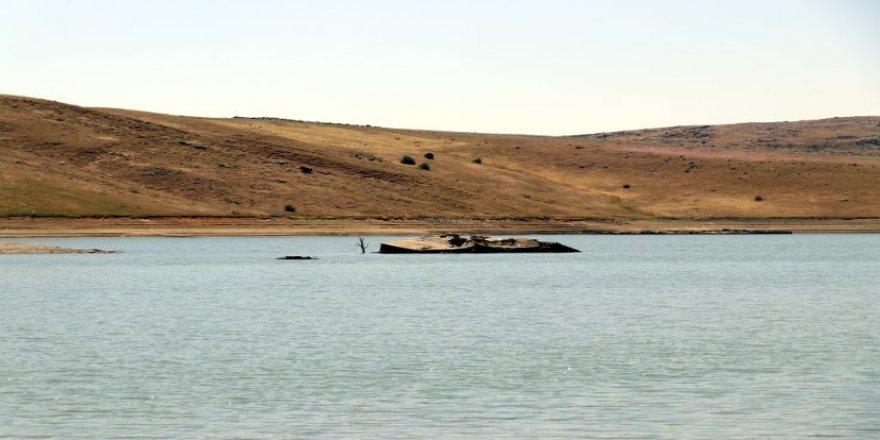 Ağrı'da sular çekilince Başçavuş köyü göründü