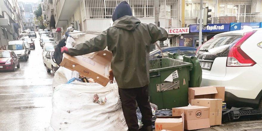 Çin'in çöpleri kağıt toplayıcısını vurdu