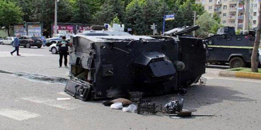 Diyarbakır'da zırhlı araç devrildi: Ölü ve yaralılar var
