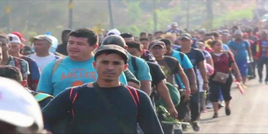 """Göçmenlere Yönelik """"Süresiz"""" Gözaltına Karşı Dava"""