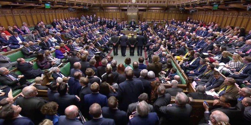 İngiltere'de Parlamento Resmen Askıya Alınıyor