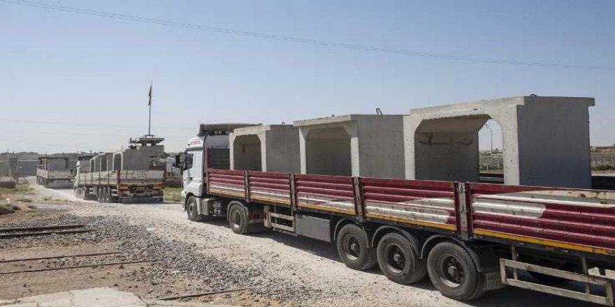 Suriye Sınırına TIR'larla Beton Blok Taşınıyor