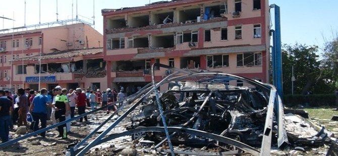 61 isim;  PKK'ya:  Şiddete son ver!/Devlete: Adım at!