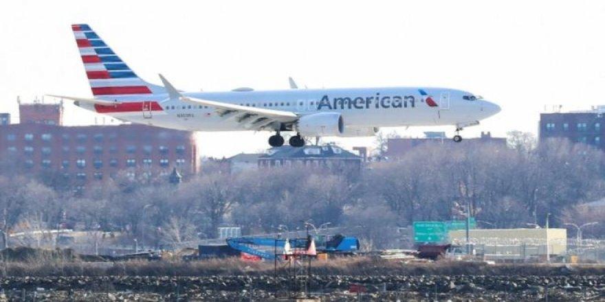 Müslüman yolcu, 'tuvalette sifonu iki kez çekti', uçuş iptal edildi
