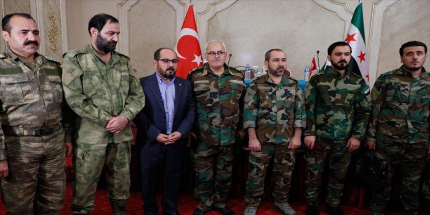 Urfa'da kurulan 'Suriye Milli Ordusu' TSK operasyonu için Fırat'ın doğusuna gitti