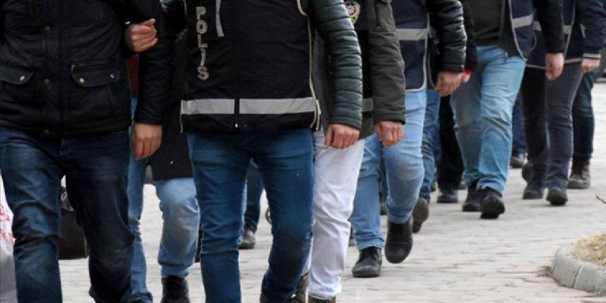 Adana'da 'Barış Pınarı Harekatı' baskını: Çok sayıda kişiye gözaltı