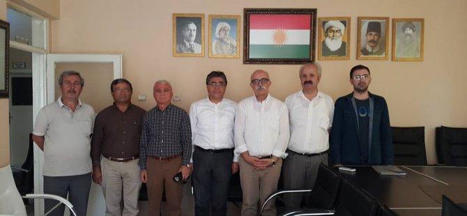 PAK Genel Başkanı Diyarbakır'da PDK BAKUR'ü Ziyaret Etti