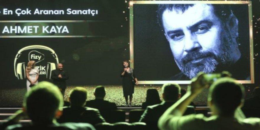 'En çok aranan sanatçı' Ahmet Kaya