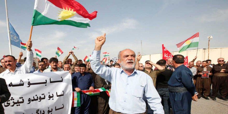 """"""" Iraklı Kürtler Türkiye'nin gazabını göze alarak Suriyeli kardeşlerine destek veriyor"""""""