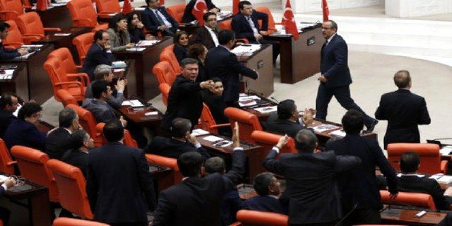 HDP'li vekil Zazaca konuştu TBMM karıştı!