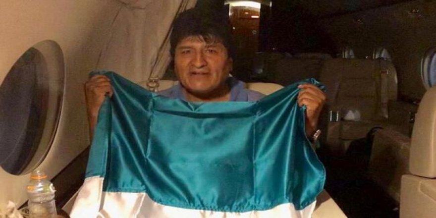 Evo Morales, Meksika'ya iltica etti