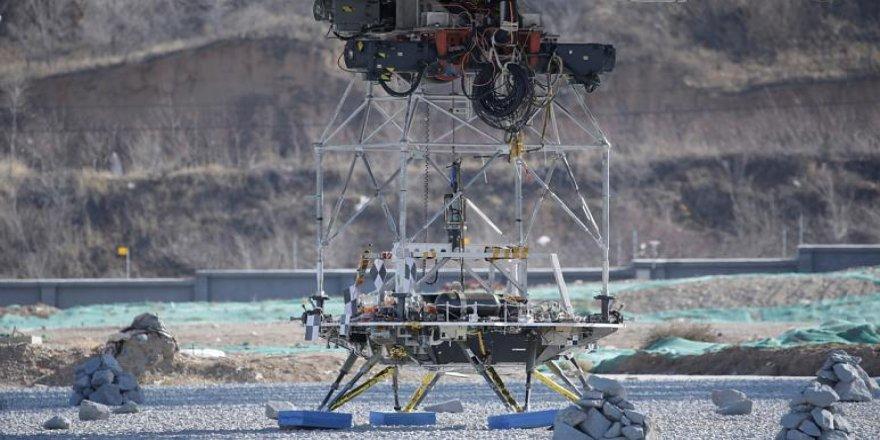 Çin keşif aracı öncesi 'Mars'a iniş testi' yaptı
