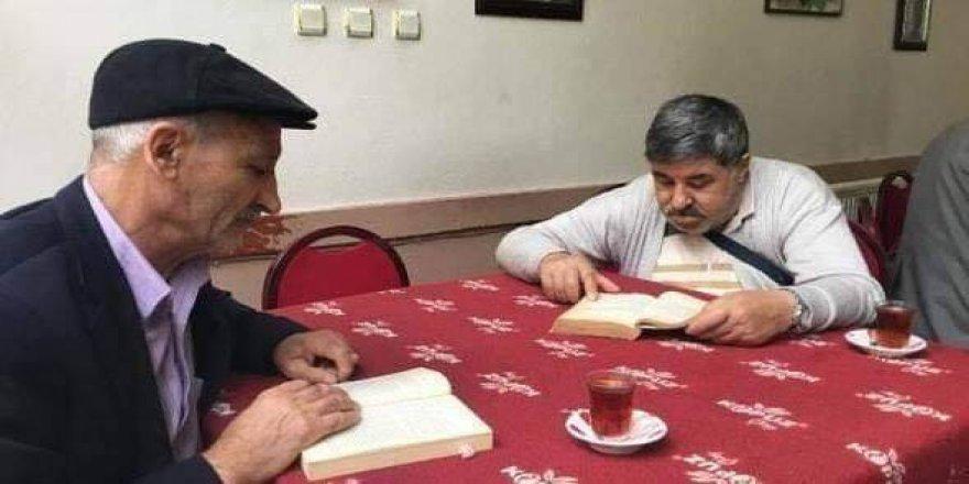 Kitap okuyana çay ve kahve bedava!