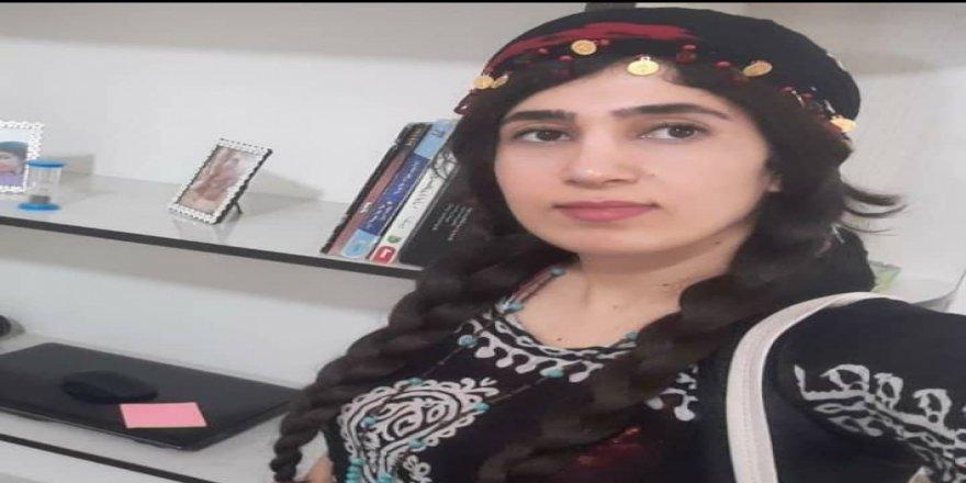 İran, Doğu Kürdistan'lı gazeteci ve aktivist Kürt kadını tutukladı
