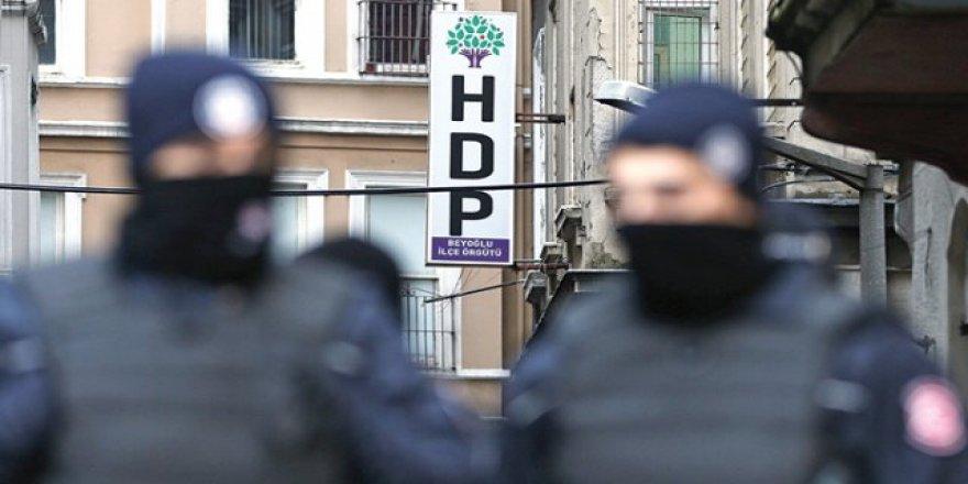 Van ve Diyarbakır'da ev baskınları: HDP'li belediye eş başkanlarına gözaltı