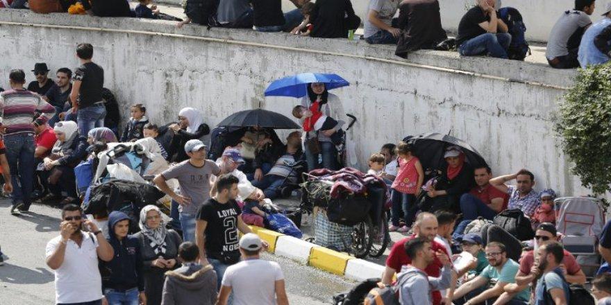 Suriyeliler güvenli bölgeye gitmek istemiyor