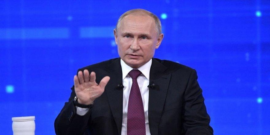 Putin: Avrupa Parlamentosu gerçeği saptırıyor