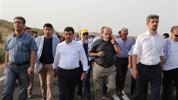 HDP Heyeti Federal Kürdistan Yolcusu