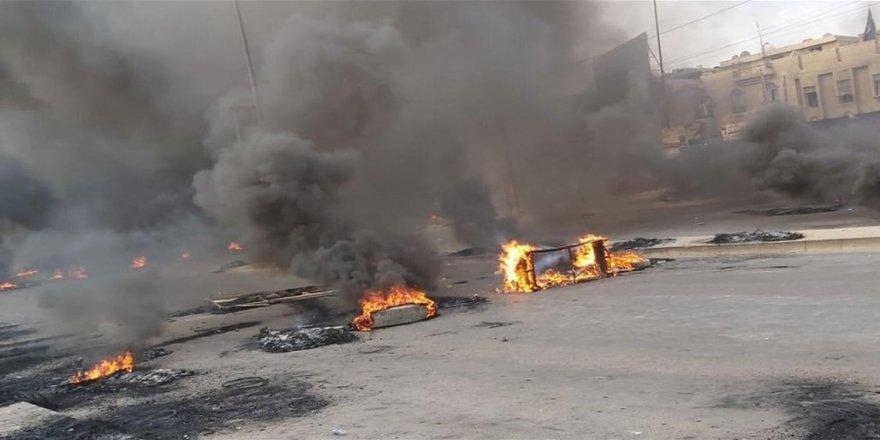 Irak'ta göstericiler yolları kapattı: İller arası bağlantı koptu