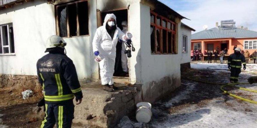 Van'da yangın: 2 çocuk yaşamını yitirdi